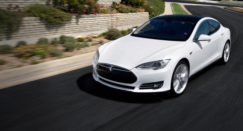 Tesla straks te ontgrendelen en starten met een iPhone - de volgende stap in elektrisch rijden!