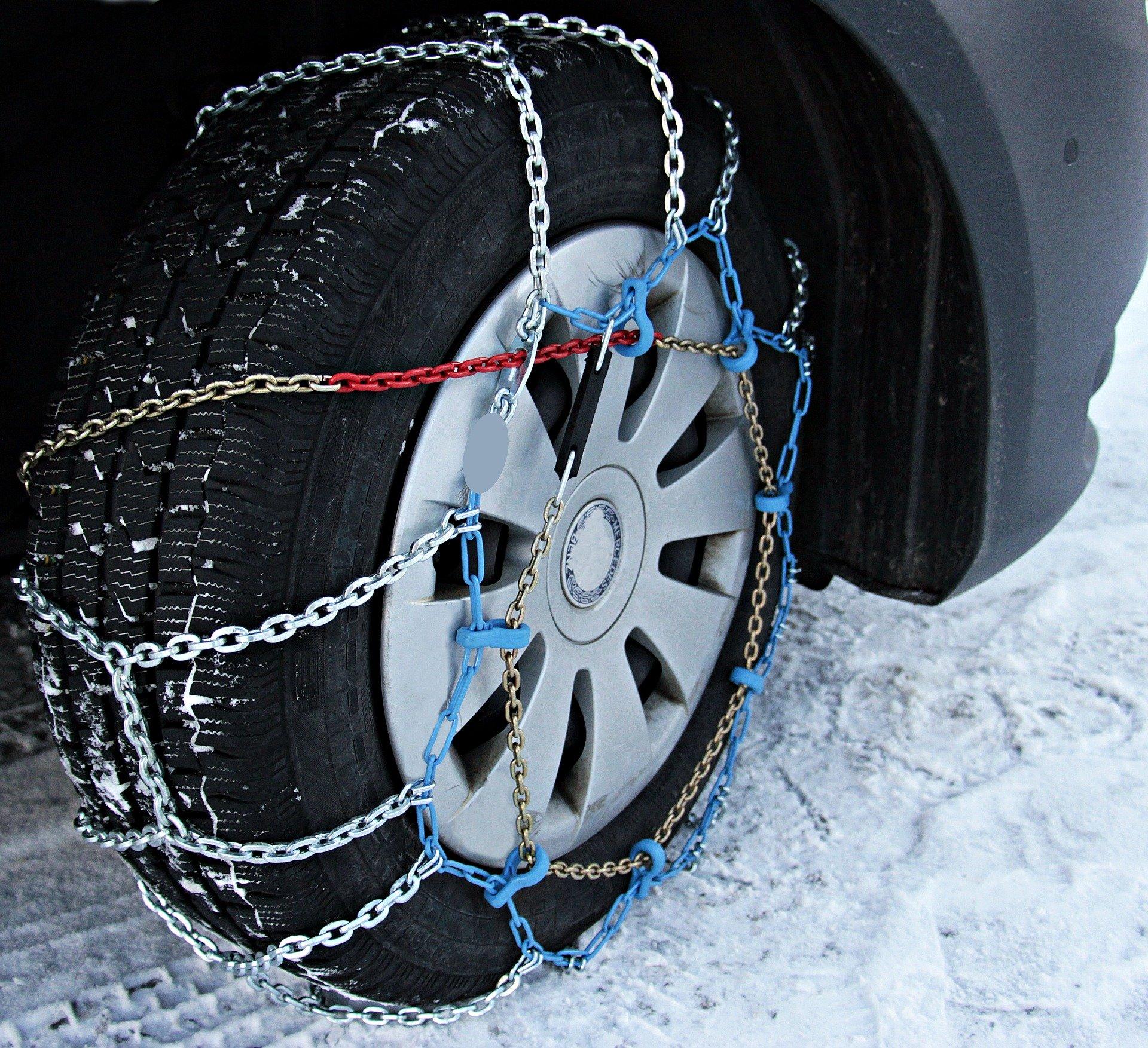 Sneeuwketting monteren